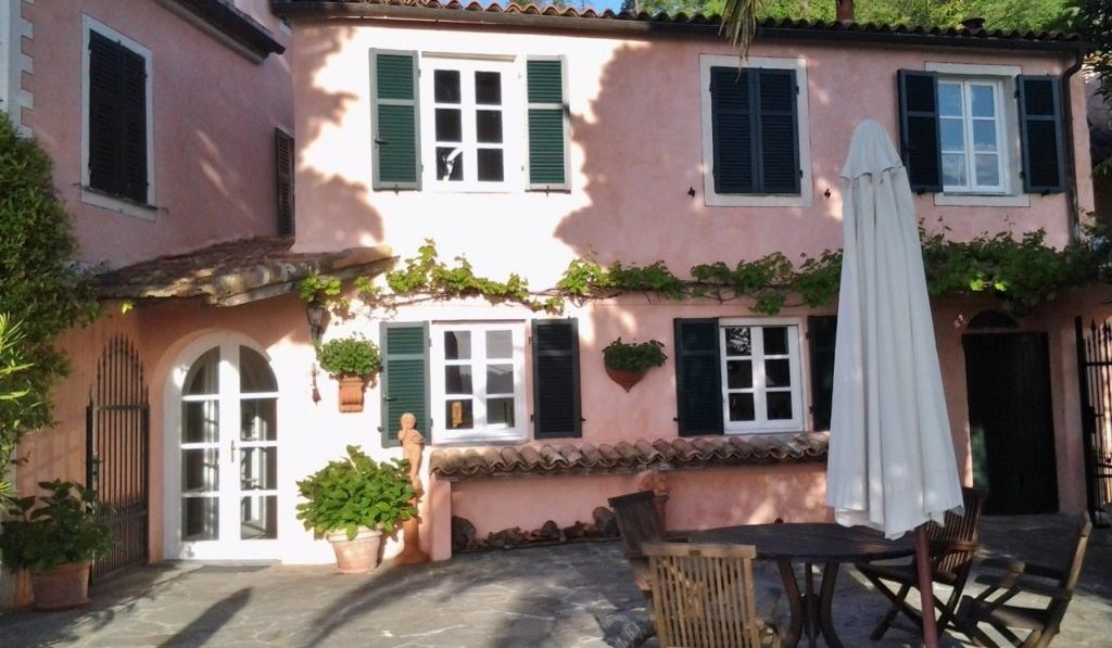Eingang zur Küche, Esszimmer und La Terrazza